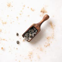 Salted capers in the scoop