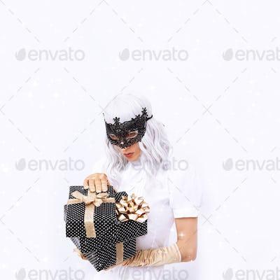 Fashion Magic Lady in mask
