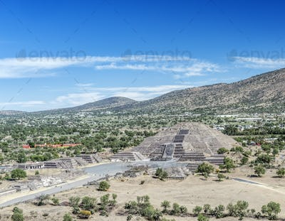 Pyramid ruins in remote landscape, San Juan Teotihuacan, State of Mexico, Mexico