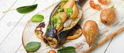 Mackerel stuffed with pear