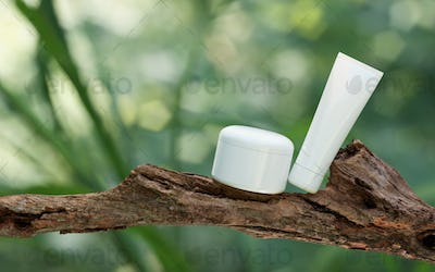Natural Cosmetic product presentation. Ourdoors forest placement. White blank Jar shampoo bottle. 3d