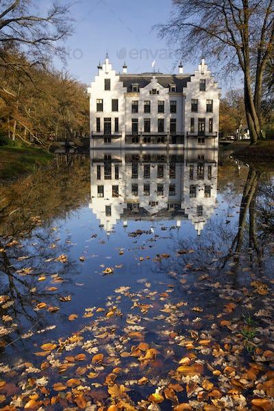 Castle Staverden in autumn mood