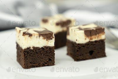 Cheesecake swirl brownie