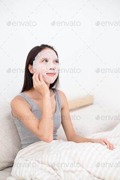 Woman doing the skincare treatment