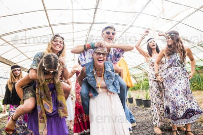 Happy friends having party, outdoor - Young students laughing and celebrating together