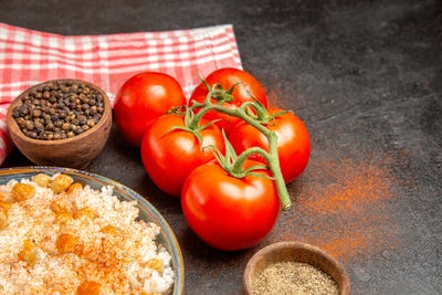 Fresh tomatoes unground peper and chickpeas and rice meal