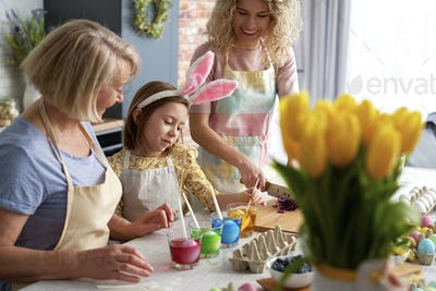 Family preparation natural dyes for coloring eggs