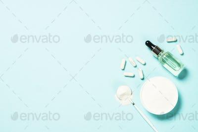Collagen powder, capsules and serum.