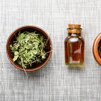 Orthilia in herbal medicine.Homeopathy and herbal medicine