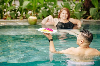 Dating in swimming pool