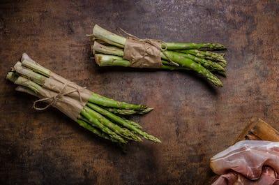 Fresh asparagus with bacon