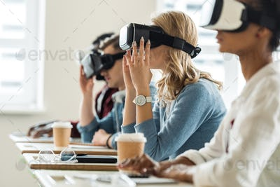 selective focus of multiethnic students using vr headsets in university