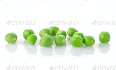 Raw green peas isolated