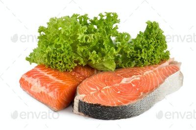 Raw salmon and lettuce