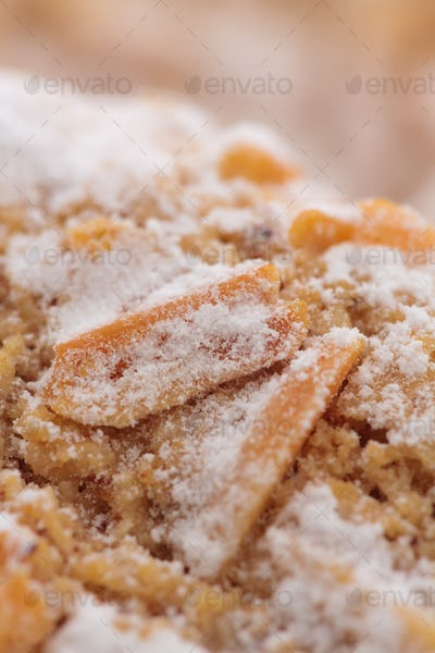 Almond cookies with white sugar