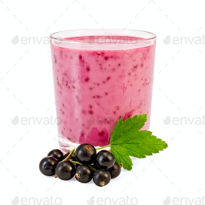 Milkshake with a black currant