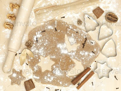 forms of metal rolling pin flour cinnamon xmas