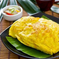 Stir fried Bean sprout wrapped in omelette [Thai's food ]