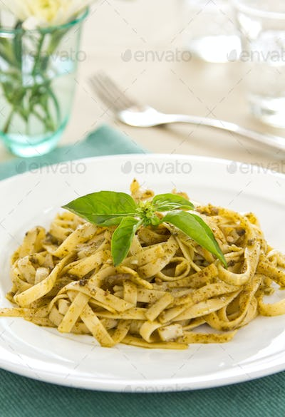 Fettuccine in Pesto sauce