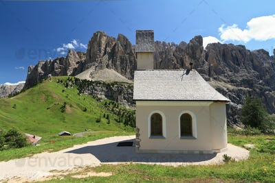 Gardena pass - small church