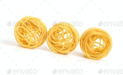 Uncooked macaroni