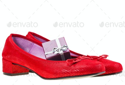 red women's shoes with gift box