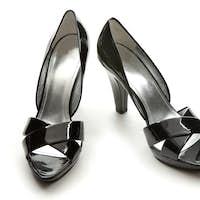 Black patent leather elegant peep toe pumps