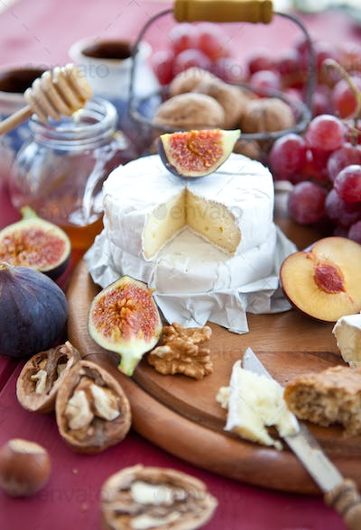 Camembert with grapes and nuts