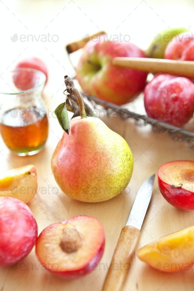 Freshpears, plums and apples