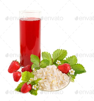 Strawberries juice and cottage cheese