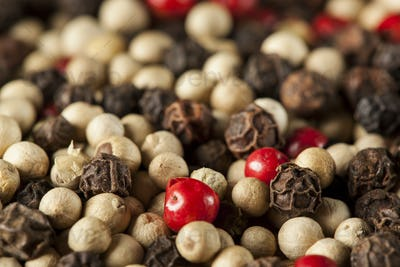 Raw Whole Four Peppercorn Blend