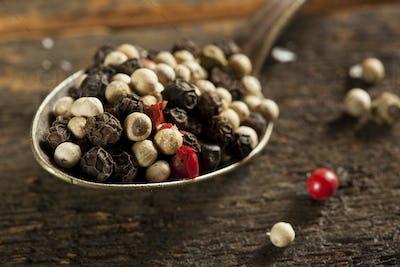 Raw Organic Hot Peppercorn Pepper