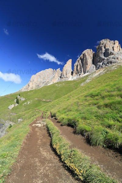 hiking in Fassa Valley