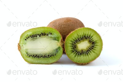 Whole kiwi and slices