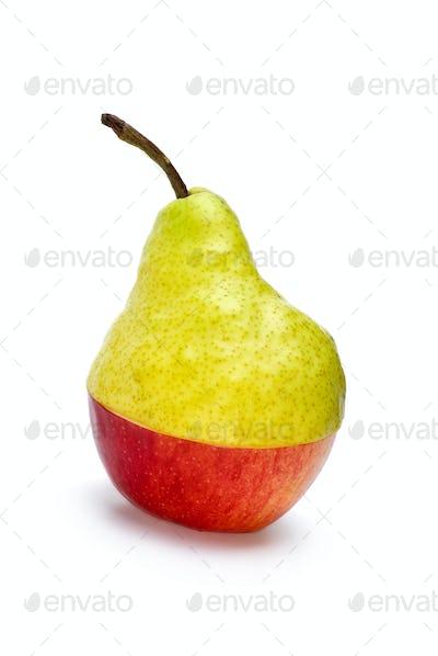 "Half-Aple-and-half-pear ""hybrid"""