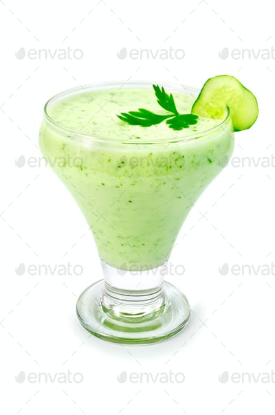 Yoghurt green with cucumber