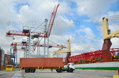 Shipping and cargo