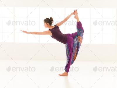 yoga practitioner indor