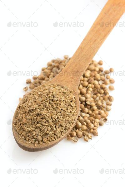 coriander powder and spoon