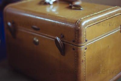 Vintage brown suitcase bag