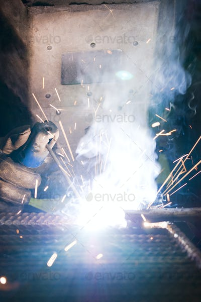 Work with the welder