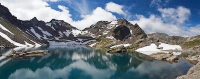 Pietra Rossa lake panorama