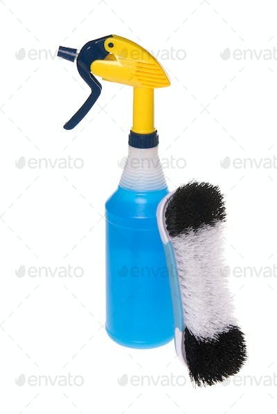 Spray cleaner and brush